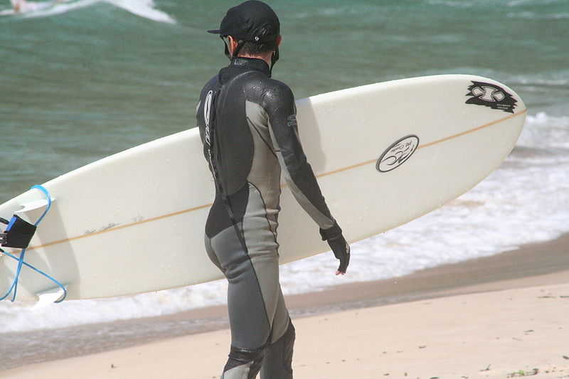surfer_in_wetsuit