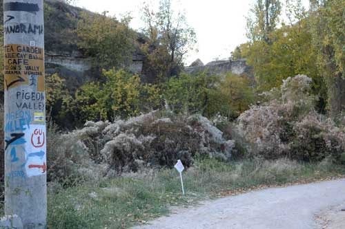 Pigeon Valley Uçhisar trail marker