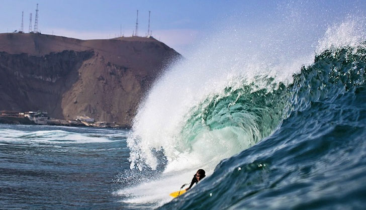 surfing chile