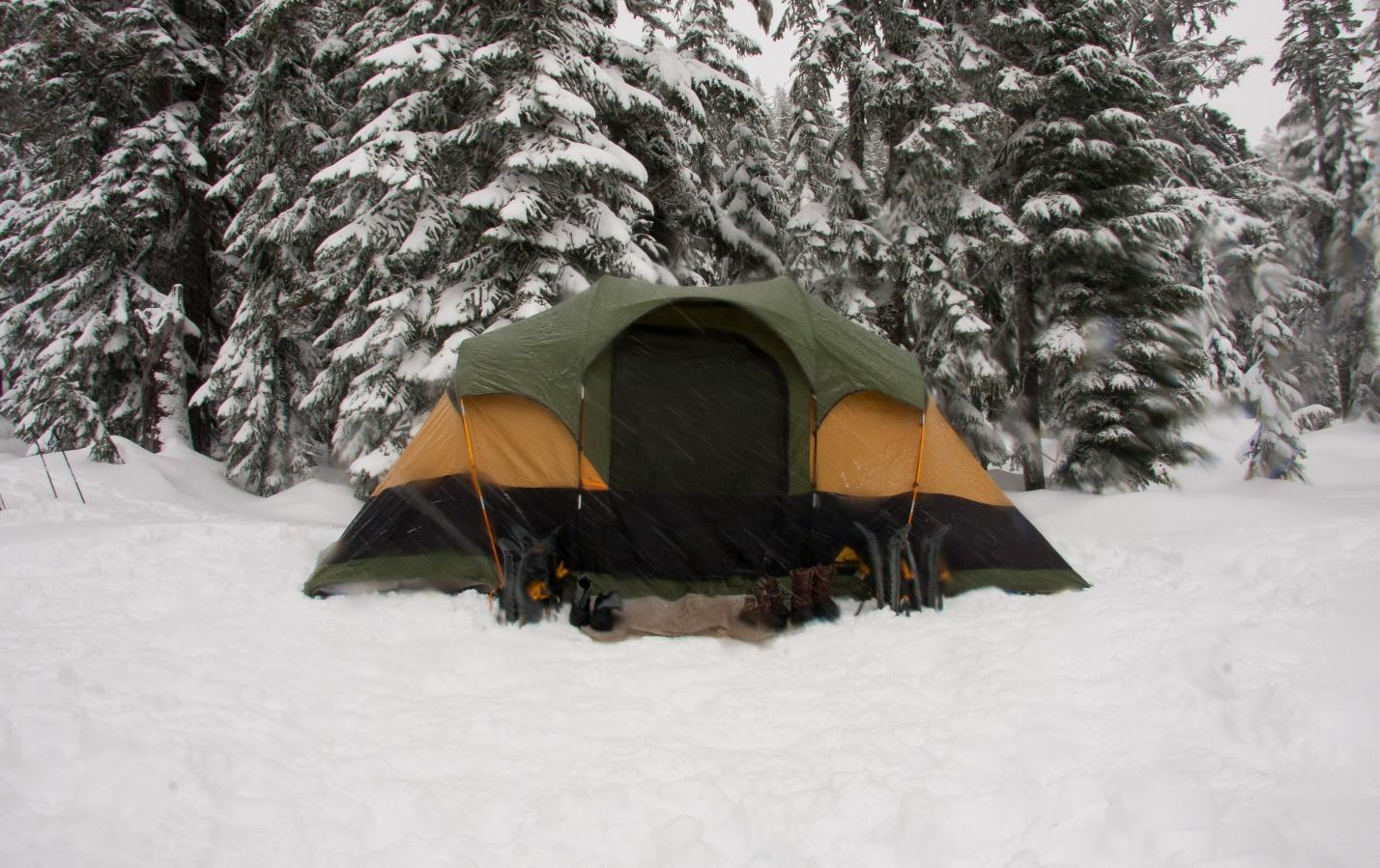 tent in the winter