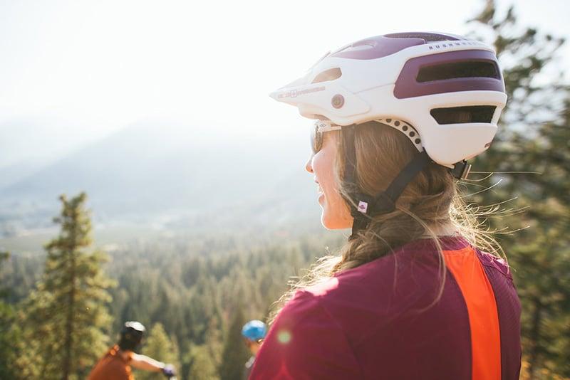 women wearing mtb helmet